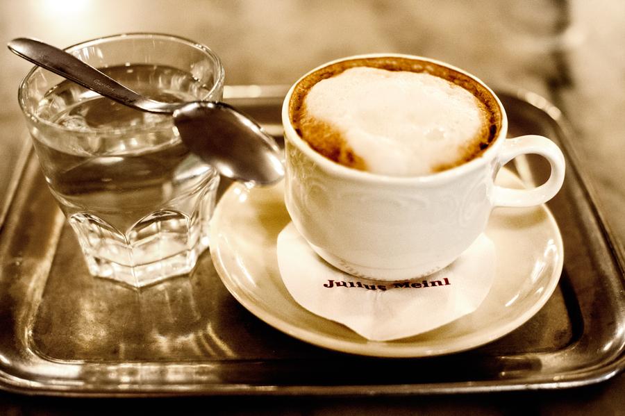 Cafe-Bräunerhof-Melange.jpg_backup