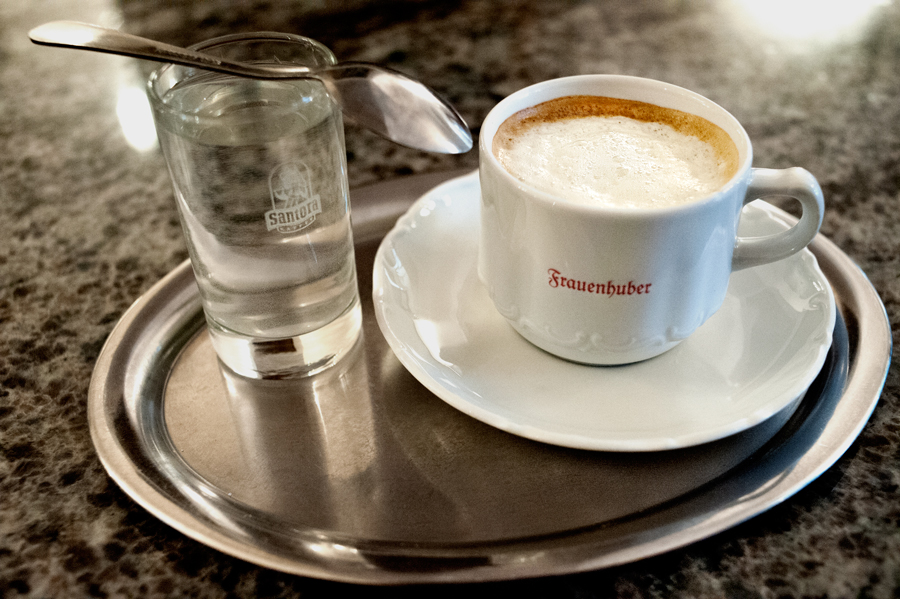 Cafe-Frauenhuber-Melange.jpg_backup
