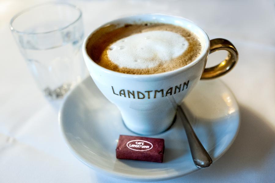 Cafe-Landtmann-Melange.jpg