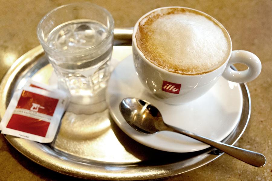 Cafe-Ritter-Ottakring-Melange.jpg