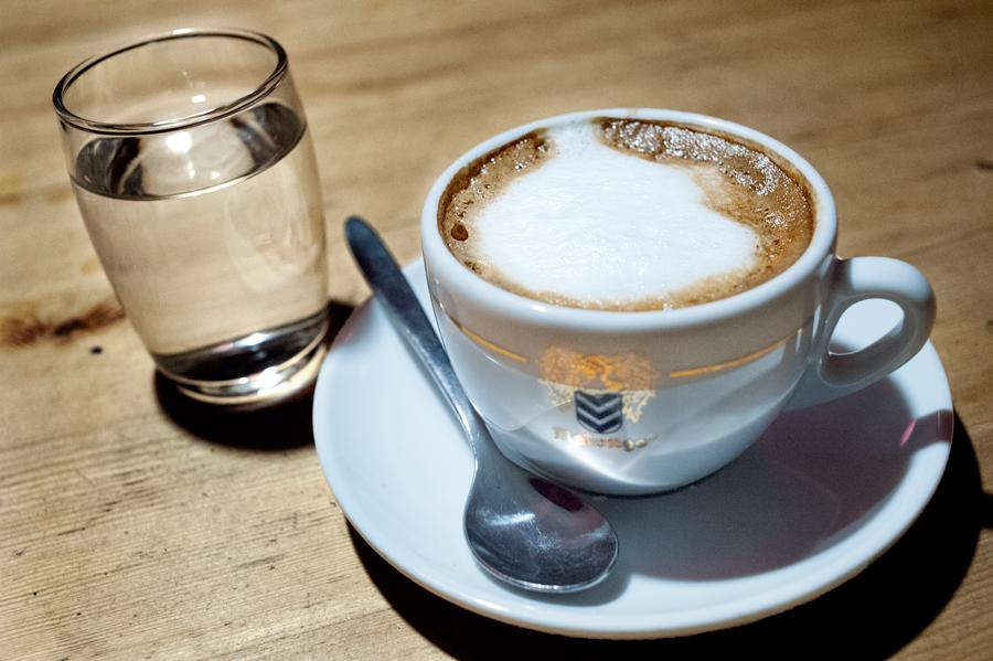 Cafe-Roten-Bären-Melange.jpg