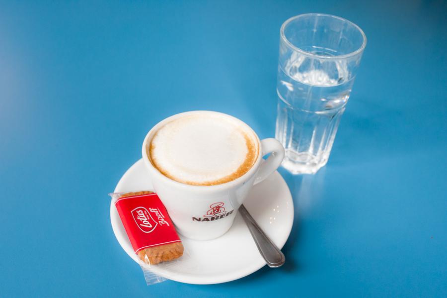 Das-Möbel-Café-Melange.jpg